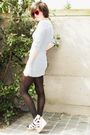 Red-sunglasses-white-dress-black-tights-white-shoes