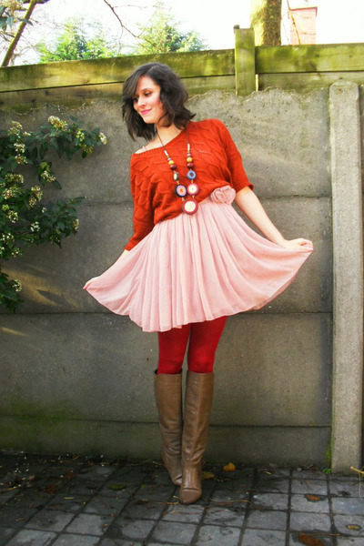 light pink dresses tawny sweaters ruby red tights light brown