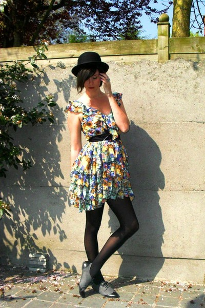 black hat - gray shoes - yellow dress - black coat - black tights - black belt