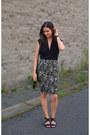 Black-tuxe-bodysuit-black-selected-skirt-black-tamaris-sandals