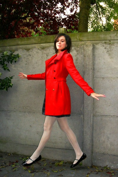 red dress white shoes Red Coats, Blue Dresses, White Tights, Black Shoes |