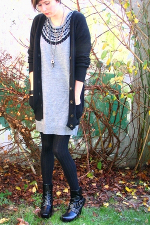 gray H&M dress - black Zara sweater - black tights - black new look boots - silv