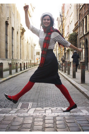 red accessories - ivory sweater - navy skirt