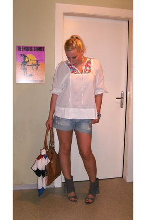 white H&M blouse - H&M shorts - H&M bag - vintage scarf - no name shoes