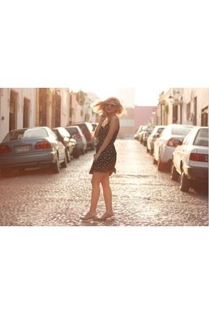 black floral Forever 21 dress - silver jelly sandals capa de ozono sandals