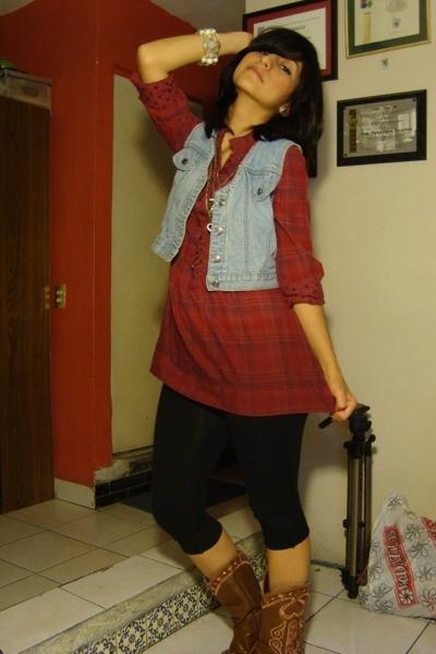 shirt - vest - leggings - boots