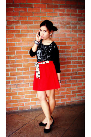 red Red Head skirt - black chelsea pumps