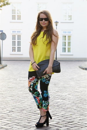 H&amp;M pants - Ray Ban sunglasses - bullboxer heels - yellow H&amp;M Trend top