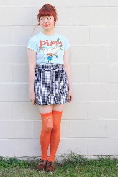 sky blue vintage t-shirt - carrot orange Clear It socks