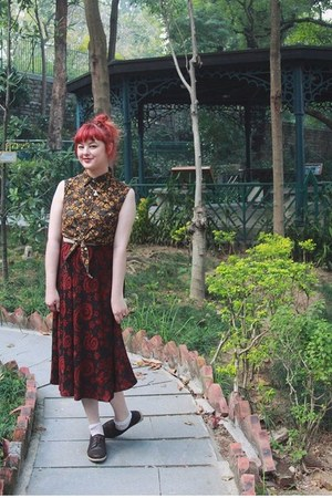 crimson vintage skirt - dark brown kedma NAOT shoes - army green vintage blouse