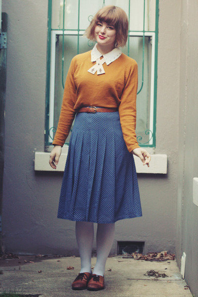 light orange vintage sweater - white striped opaque OASAP tights