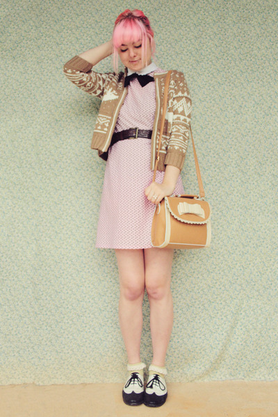 pink vintage dress - bronze Mochi Beaucoup bag - white lace frill vintage socks
