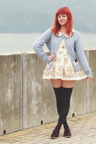 brown kedma NAOT shoes - eggshell Liz Lisa dress - periwinkle idc cardigan