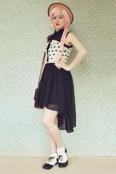 white lace Tutuanna socks - black heart print awwdore dress