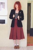 maroon vintage skirt - brown NAOT shoes - black thrifted blazer