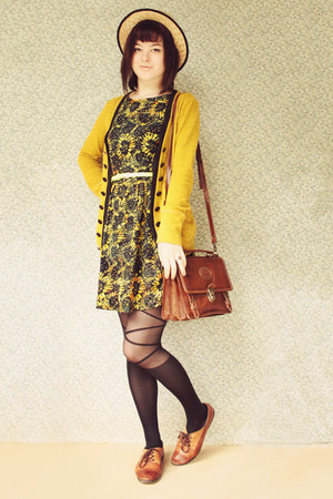 gold sunflower modcloth dress - black ballerina style romwe tights