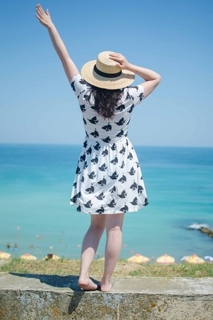 cream H&M hat - white Walk Trendy dress