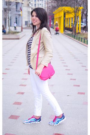 ivory Zara jeans - beige Zara blazer - sky blue Tamaris sneakers