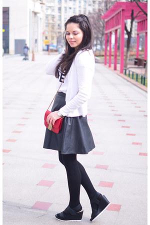 black PERSUNMALL skirt - white Pimkie t-shirt - black Tamaris sandals