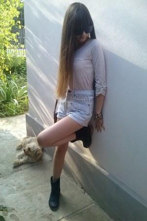 black hm boots - periwinkle levis shorts - beige bershka blouse