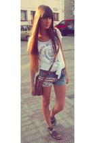 white stradivarius t-shirt - hm bag - glow shorts - black zara sandals