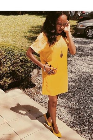 yellow leather Forever 21 heels - mustard vintage dress