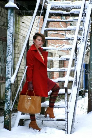 ruby red kira plastinina coat - light brown longchamp bag