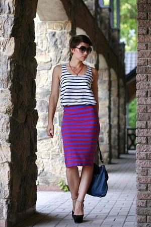 navy Zara skirt - white lindex top