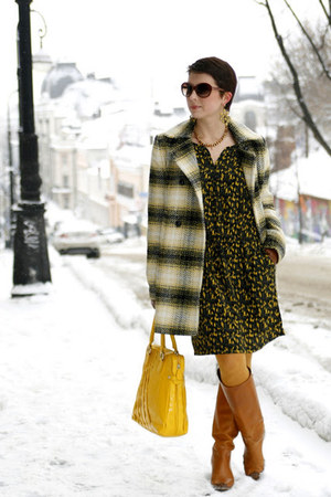yellow Mango dress - camel Zara boots