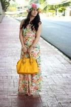 gold Shoedazzle bag