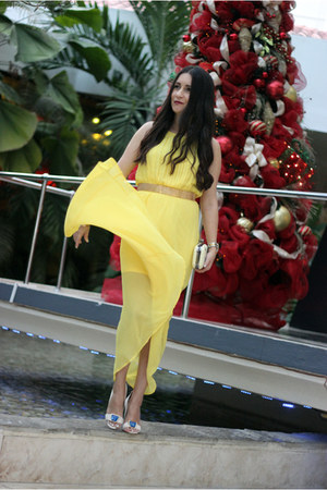 yellow Local store dress - off white Shoedazzle sandals