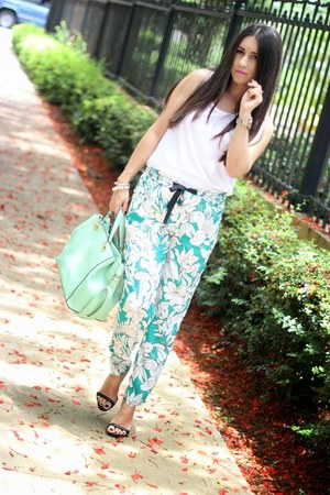 black Zara heels - aquamarine Shoedazzle bag - turquoise blue Zara pants