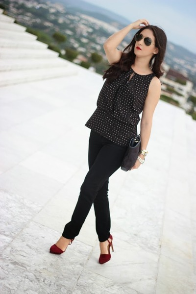 black J Brand jeans - black ray-ban sunglasses - black ann taylor top