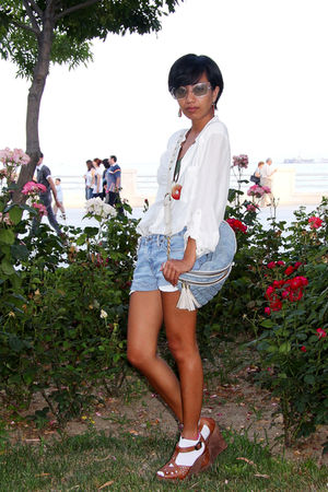 From Phil necklace - brown wedges Topshop shoes - white silk shirt Zara