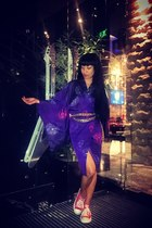 purple kimono vintage dress - gold chain Chanel belt