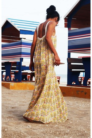 mustard Zara dress