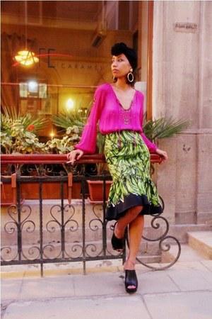 black turban DIY hat - hot pink sequined Antik Batik blouse - black Mango clogs