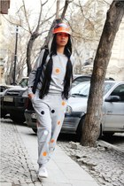 heather gray dotted sweater - orange visor hat