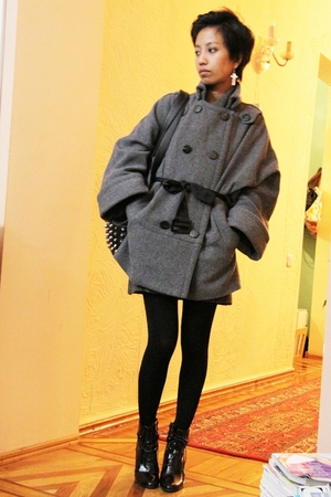 gray Mango coat - gray Zara - black Zara - black - black - silver Jeans Wagon