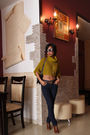 Mango-topshop-jeans-gold-accessorize-gold-accessorize-brown-h-m-shoes-