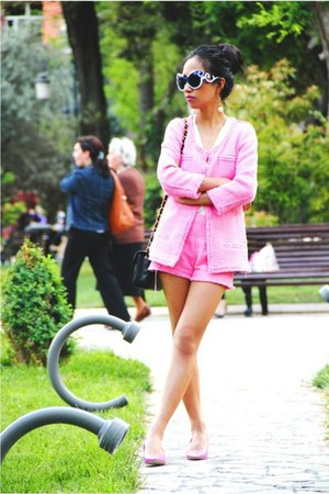 hot pink kitten heels Aldo shoes - bubble gum Zara jacket