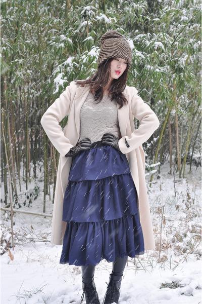 navy no brand dress - cream romwe coat - brown Louis Vuitton gloves