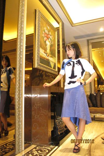 silk Jason Wu skirt - picaso print Jill Sander top - dvf heels