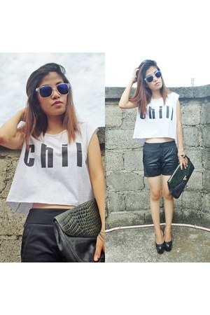 black Coco Clothes shorts - black Gibi pumps - off white P square top