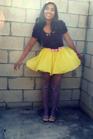 yellow flowy Forever 21 skirt - light purple floral print Candies tights