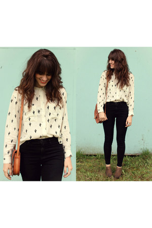cream cactus pattern blouse - brown shoes - black skinny jeans