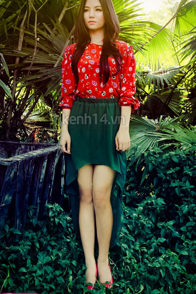 9003d9a04 Forest Green Skirts, Red Blouses |