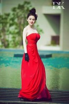 red dress - black gloves