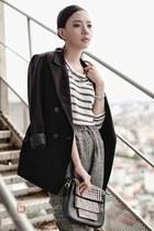 black blazer - heather gray jumper - ivory t-shirt