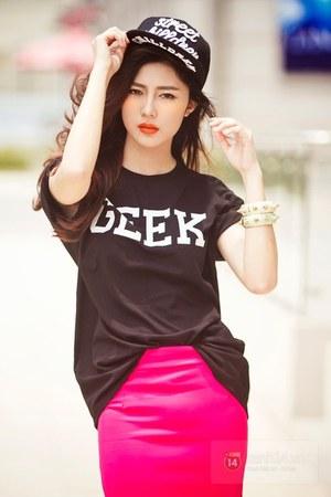 hot pink skirt - black hat - black blouse